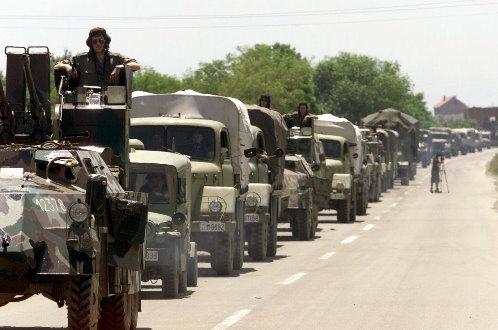 Ондашњи функционери, 1999. године КиМ су напустили пре војске и полиције