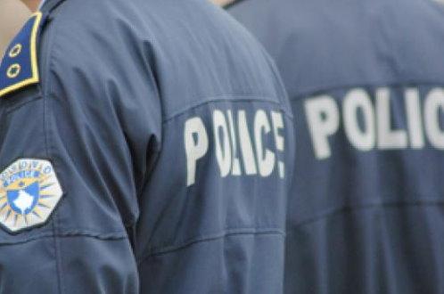 Косовска полиција претресла породичне куће Цветковића у Кормињану. Двојица Срба приведена, па пуштена.
